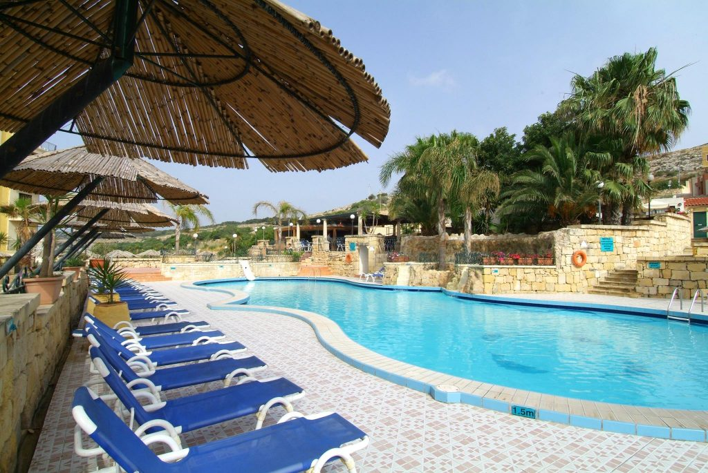 Day by the pool Malta, sunbeds included in the price